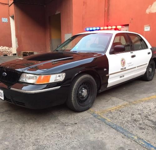alquiler coche de policia americano los angeles police car vehículos de escena tyreaction ford crown victoria barcelona madrid