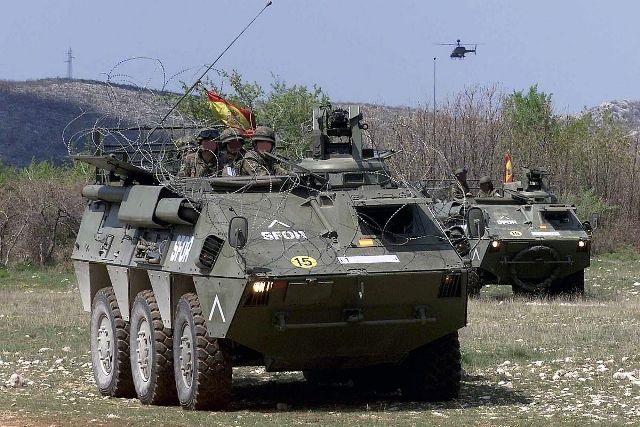 alquiler tanqueta tanque militar BMR guerra vehiculos de escena peliculas tyreaction barcelona 2
