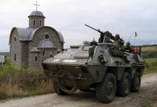 alquiler tanqueta tanque militar BMR guerra vehiculos de escena peliculas tyreaction barcelona 3