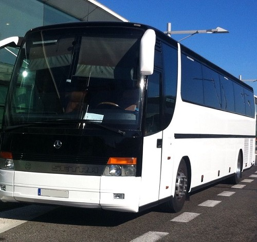 P0011 Alquiler  Autobus  blanco frontal