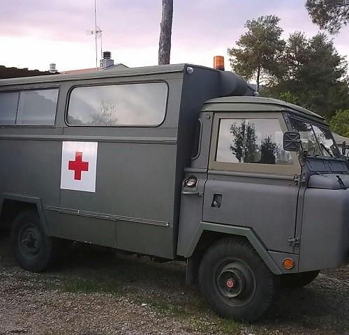 P0013-Alquiler Land-Rover-1300-ambulancia-militar-