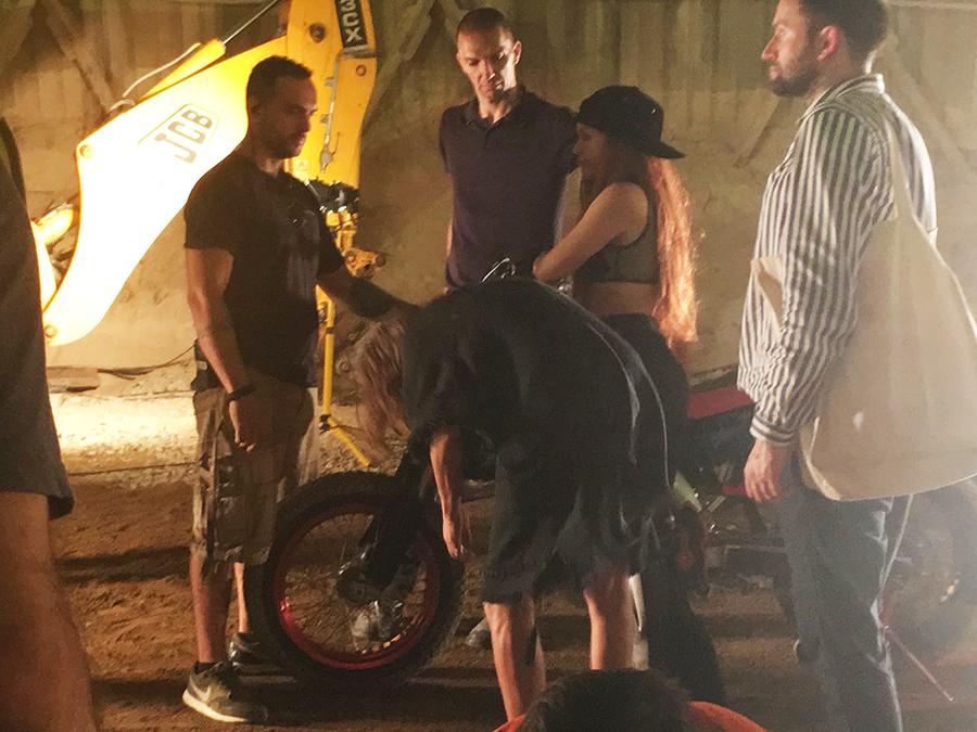 making of videoclip shakira perro fiel nicky jam tyreaction vehiculos de escena 15