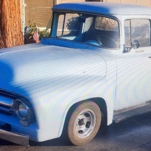 10608 Alquiler ford f100 color azul