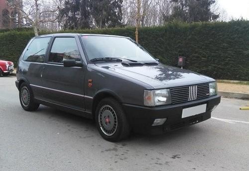 10621 Fiat uno gris