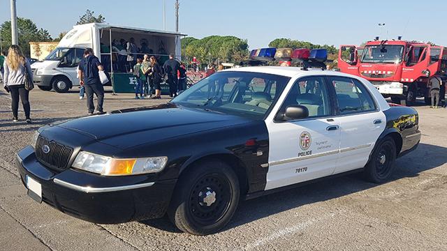 tyreaction alquiler coches americanos barcelona madrid policia los angeles vehículos de escena