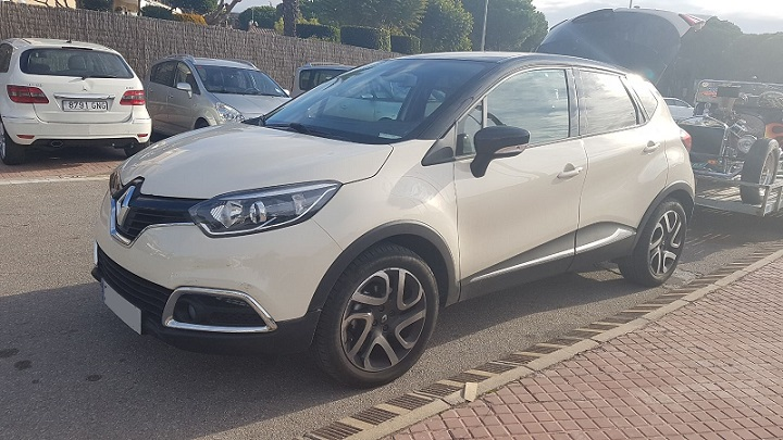 10645 Renault Captur blanco frontal