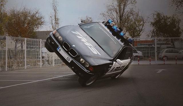 TMS Tyreaction motor show en ace cafe barcelona espectaculo motor 1 coche policia a dos ruedas