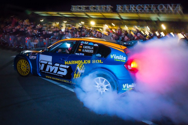 TMS Tyreaction motor show en ace cafe barcelona espectaculo motor bmw serie 1 burnout