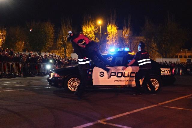 TMS Tyreaction motor show en ace cafe barcelona espectaculo motor parque tematico coche policia