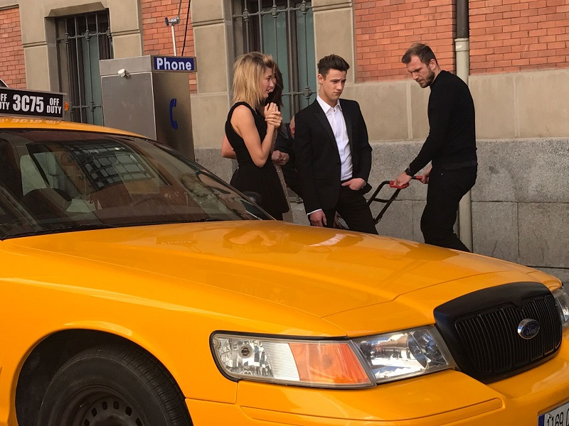 anuncio carolina herrera 212 cameron dallas alquiler taxi nyc tyreaction making of 1