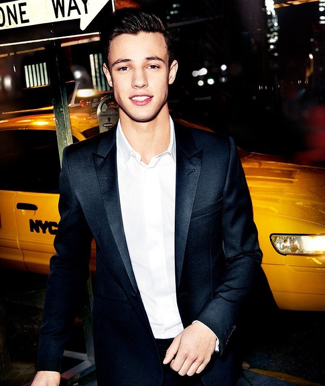 anuncio carolina herrera 212 cameron dallas alquiler taxi nyc tyreaction making of 2