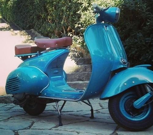 10659 Alquiler Vespa 125N 1956 azul