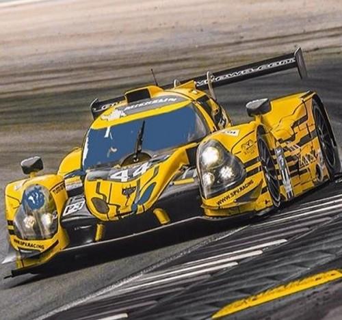 P0161 Alquiler coche de carreras Lemans amarillo Tyreaction