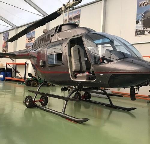 P0169 alquiler helicoptero barcelona tyreaction Bel 206 jet ranger gris