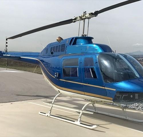 p0169 alquiler helicoptero barcelona tyreaction Bel 206 jet Ranger azul