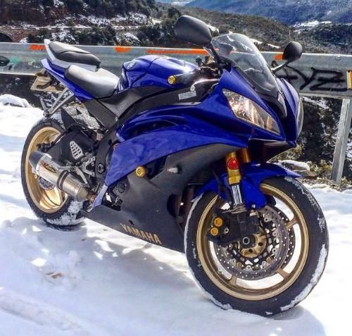00005 alquiler yamaha r6 tyreaction azul front