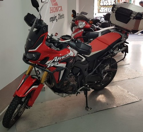10677 alquiler Honda africa twin rojo