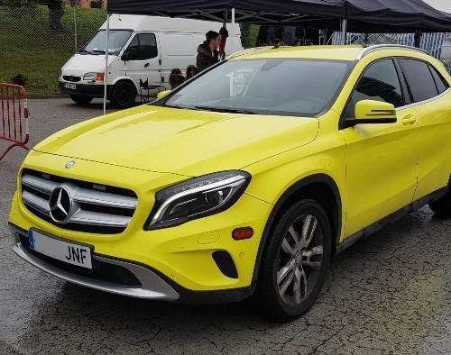 P0055 Alquiler Mercedes gla ambulancia amarillo
