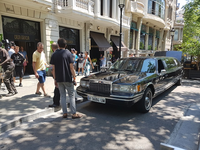 anuncio mariah carey hostelworld alquiler limusina barcelona tyreaction vehiculos escena 4