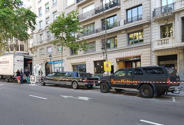 anuncio mariah carey hostelworld alquiler limusina barcelona tyreaction vehiculos escena 5