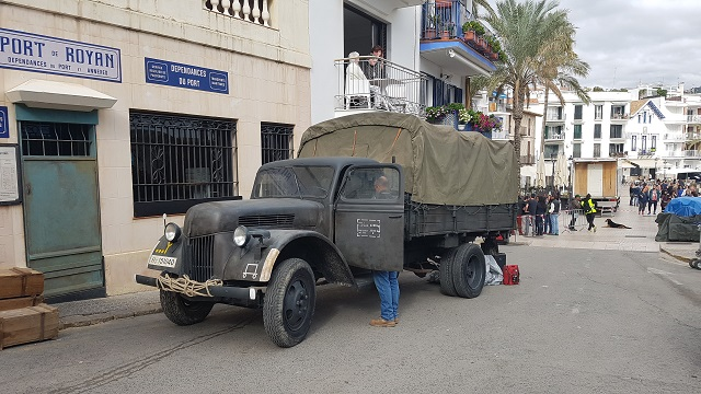 making of vehículos de escena rodaje picasso genius natgeo alquiler coches de epoca historicos  para peliculas tyreaction camion militar nazi