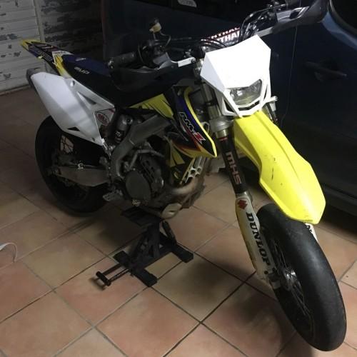 00005 alquiler moto supermotard motocross suzuki rm tyreaction peliculas cine front