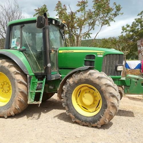 10684 alquiler Tractor Jhon Deere verde 6