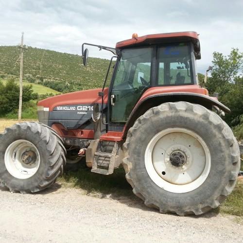 10684.6 Tractor verde 6