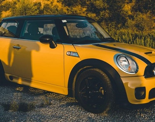 10690 Alquiler mini cooper s amarillo For rent Prop Action Picture Vehicles in Spain Barcelona Madrid