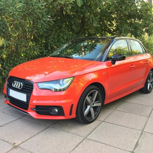 10697 Alquiler audi a1 rojo frontal