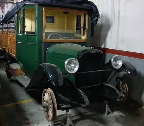 P0035 Alquiler Camión Chevrolet 1922 verde