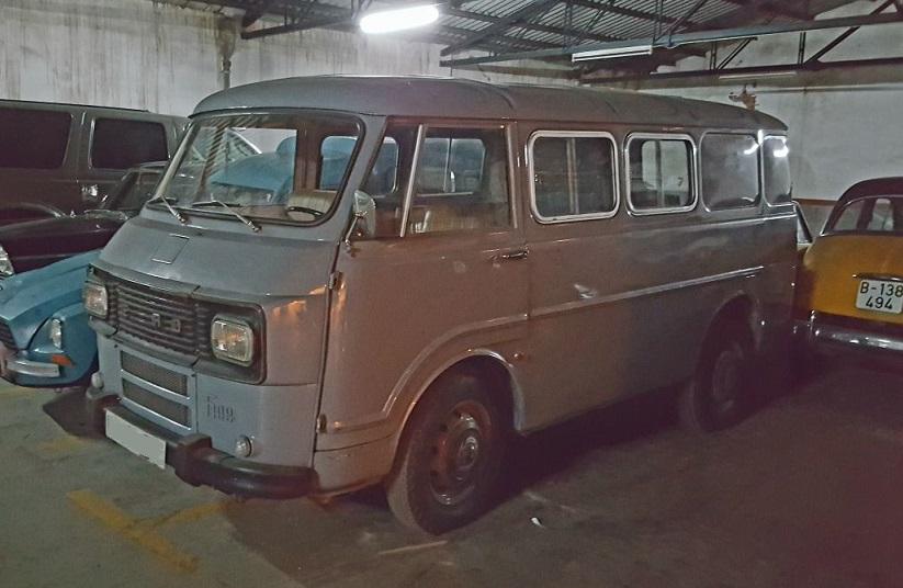 P0035 Alquiler Ebro Fadisa 1970 gris