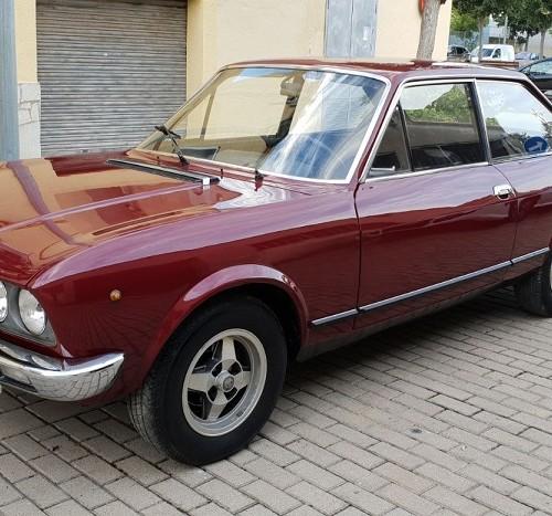 P0035 Alquiler Fiat 124 sport 1971 frontal