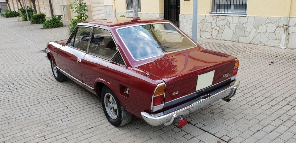 P0035 Alquiler Fiat 124 sport 1971 trasero