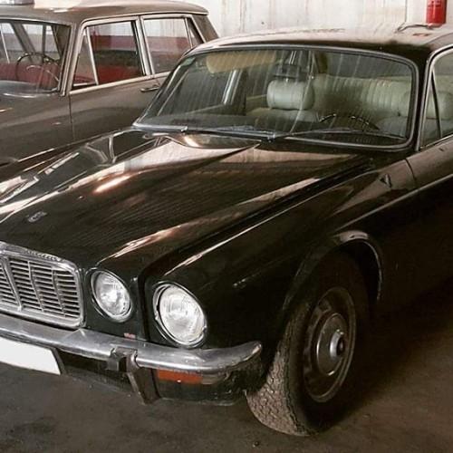 P0035 Alquiler Jaguar XJ 1971 negro