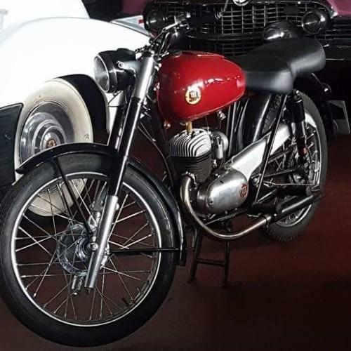 P0035  Alquiler Montesa brio 150 1964 rojo