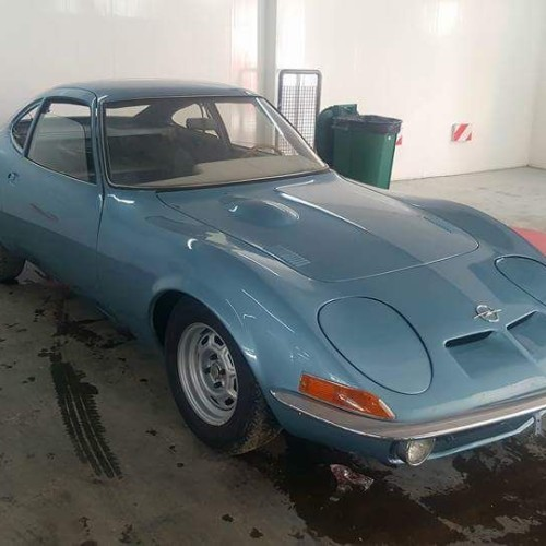 P0035 Alquiler Opel GT 1.9 1969 azul For rent Prop Action Picture Vehicles in Spain Barcelona Madrid