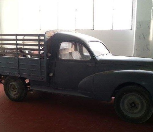 P0035 Alquiler Peugeot 403 pick up 1949