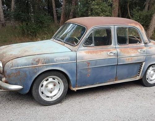 P0035 Alquiler Renault Dauphine estilo rat rod 1964 azul