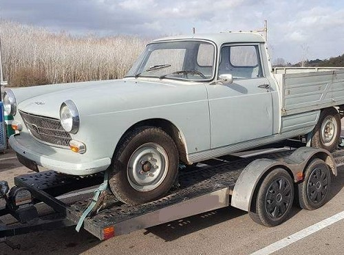 P0035 AlquilerPeugeot 404 pick up 1960