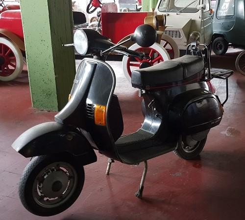P0035 Moto vespa 125 primavera 1984 negro