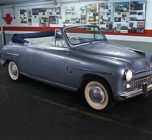 P0181 Alquiler Fiat 1400 1953 gris frontal
