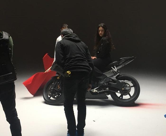 tyreaction videoclip rosalia malamente como se hizo vehiculos de escena especialistas de cine alquiler yamaha r6 1