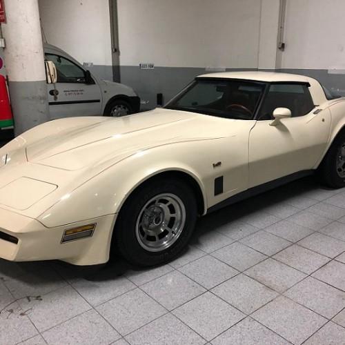 10722 Alquiler Corvette blanco 1970 frontal
