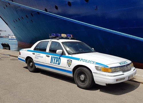 P0014 alquiler coche mercury Ford crown vicotria policia new  nueva york NYPD Tyreactin front