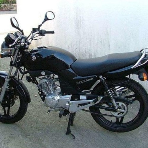 P0044 Alquiler Yamaha Ybr negro