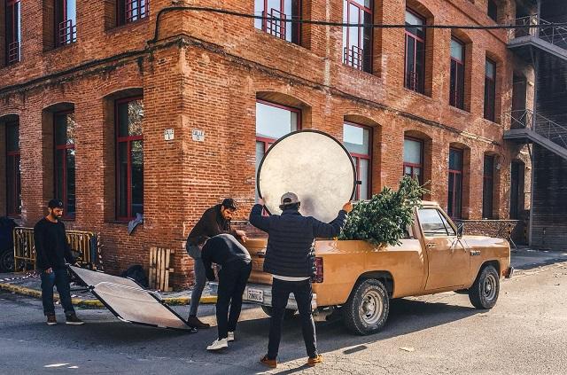 tyreaction making of anuncio panama jack vehiculos de escena alquiler dodge ram pickup americana clasica vehiculos e escena 3