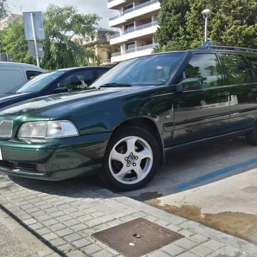 10377.1 Alquiler Volvo V70 verde