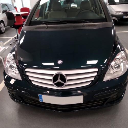 P0044 Alquiler Mercedes B180 verde