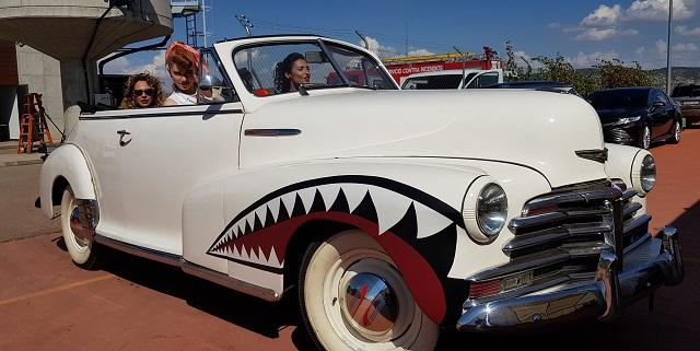 tyreaction alquiler coche americano pelicula grease 30s 40s anuncio toyota corolla